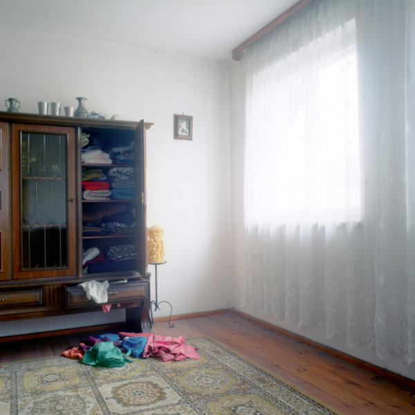 Ein kleines Bauernhaus im Zentrum von Lam. Berta Vogl wurde in dem Haus geboren und lebte bis zu ihrem Tod im Jahr in dem selben Haus.