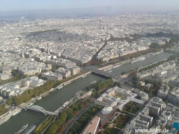 Sicht über ganz Paris vom Eiffelturm herab