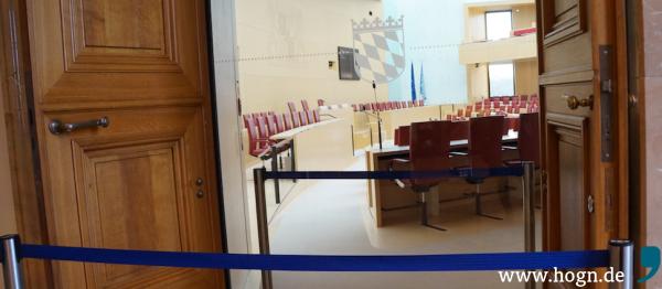 Morgens ist es im Plenarsaal des bayerischen Landtags menschenleer.