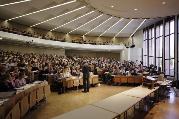 Überfüllte Studiengänge, zu wenig Lehrkräfte - diese Dinge hatte die Hochschulgruppe MuK Aktiv e.V. in einem offenen Brief an die Uni-Leitung angeprangert. Fotos: Universität Passau