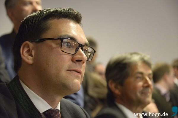 Der Vorgänger und sein Nachfolger: Auf Ludwig Lankl (CSU) als Landrat von Freyung-Grafenau folgt nun Sebastian Gruber (CSU). Fotos: Georg Knaus