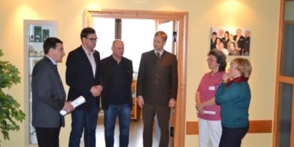 (v.l.) Max Gibis, Sebastian Gruber, Dr. Franz Bogner, Dr. Olaf Heinrich, Christiane Brauer und Johanna Kopp.