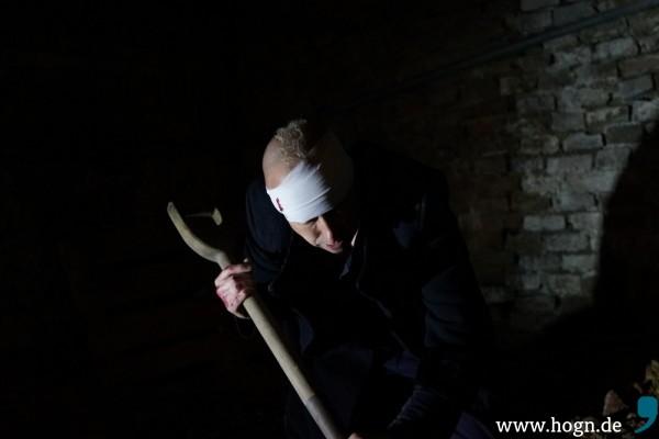 Du sollst nicht töten. Unten im Klosterkeller wird mir Angst und Bang.