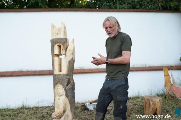 Künstler Winny Klinnert stellt sein Werk vor.