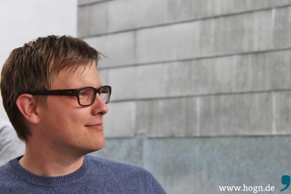 Schlagzeuger Simon ist auch fürs Texten zuständig. In seinem Tonstudio in Ortenburg nehmen die Songs Form an.