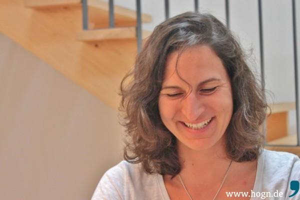 Simone Kuhnt freut sich über ihr Auftragswerk - der Verkauf läuft gut an.