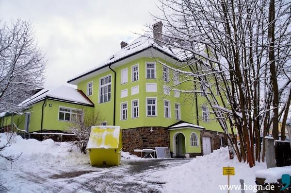Demnächst soll gerichtlich Entschieden werden, ob Hans Buchban auch ohne TA-Lärm-Gutachten eine Baugenehmigung für das alte Pfarrhaus in Zwiesel bekommt. Foto: Archiv Döhler