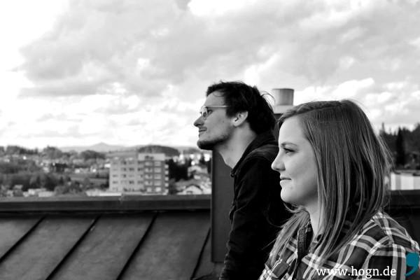 Daniel Nigl und Juliane Ascher erwarten den Durchbruch der Stringers. Der Sampler ist in Arbeit.
