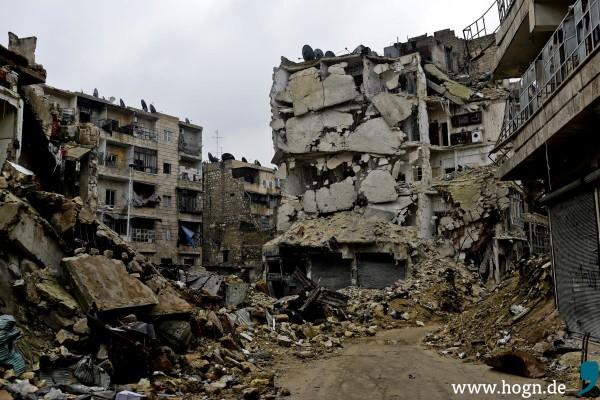 Aleppos Front. Das Viertel KArm el Jebel ist fast voellig zerstört.