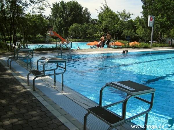 schwimmbad_schöllnach_foto_bini_katz (1)