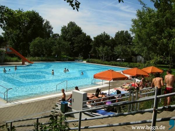schwimmbad_schöllnach_foto_bini_katz (2)