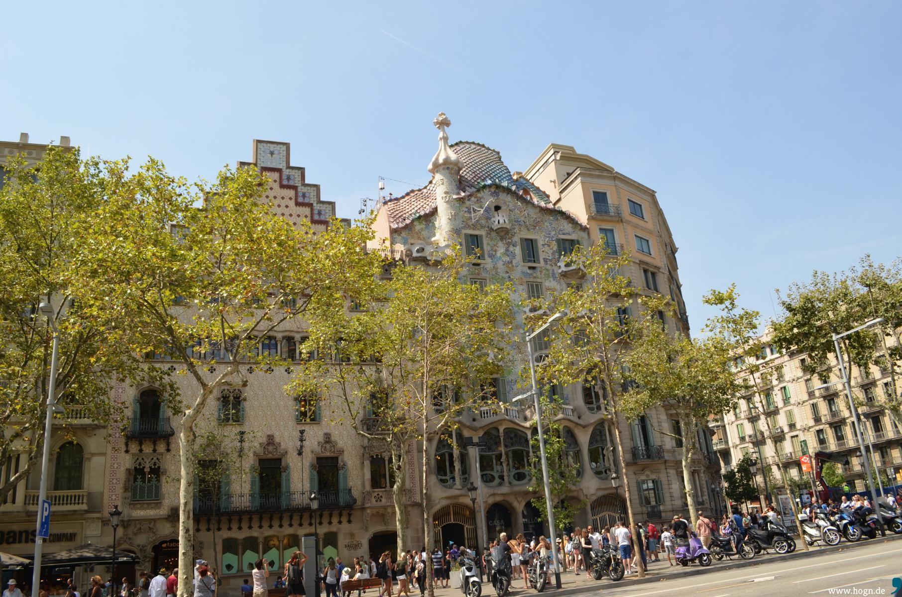 kuenstler gaudi haus in barcelona